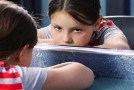 ۱۰ عامل اصلی ایجاد اعتماد به نفس پایین در کودکان